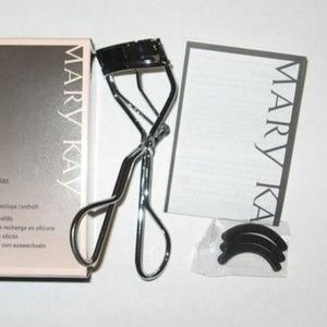 Mary Kay Eyelash Curler with 3 refill pads